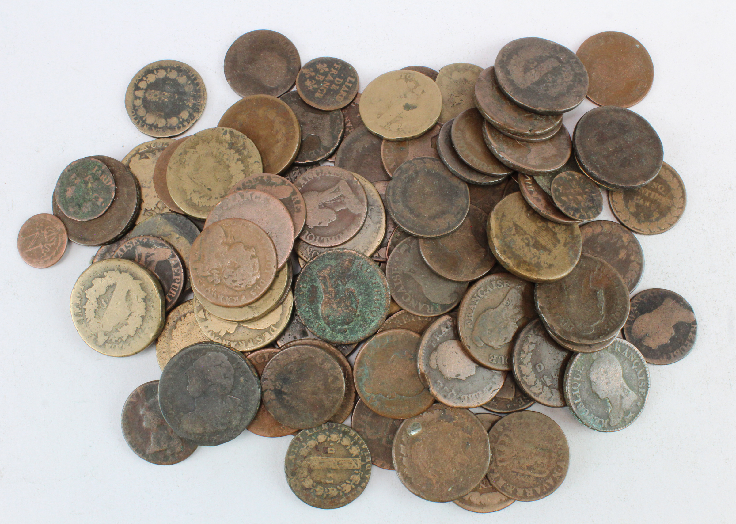 France, quantity of 17th-18thC bronze coinage in a tub, mostly Revolutionary era.