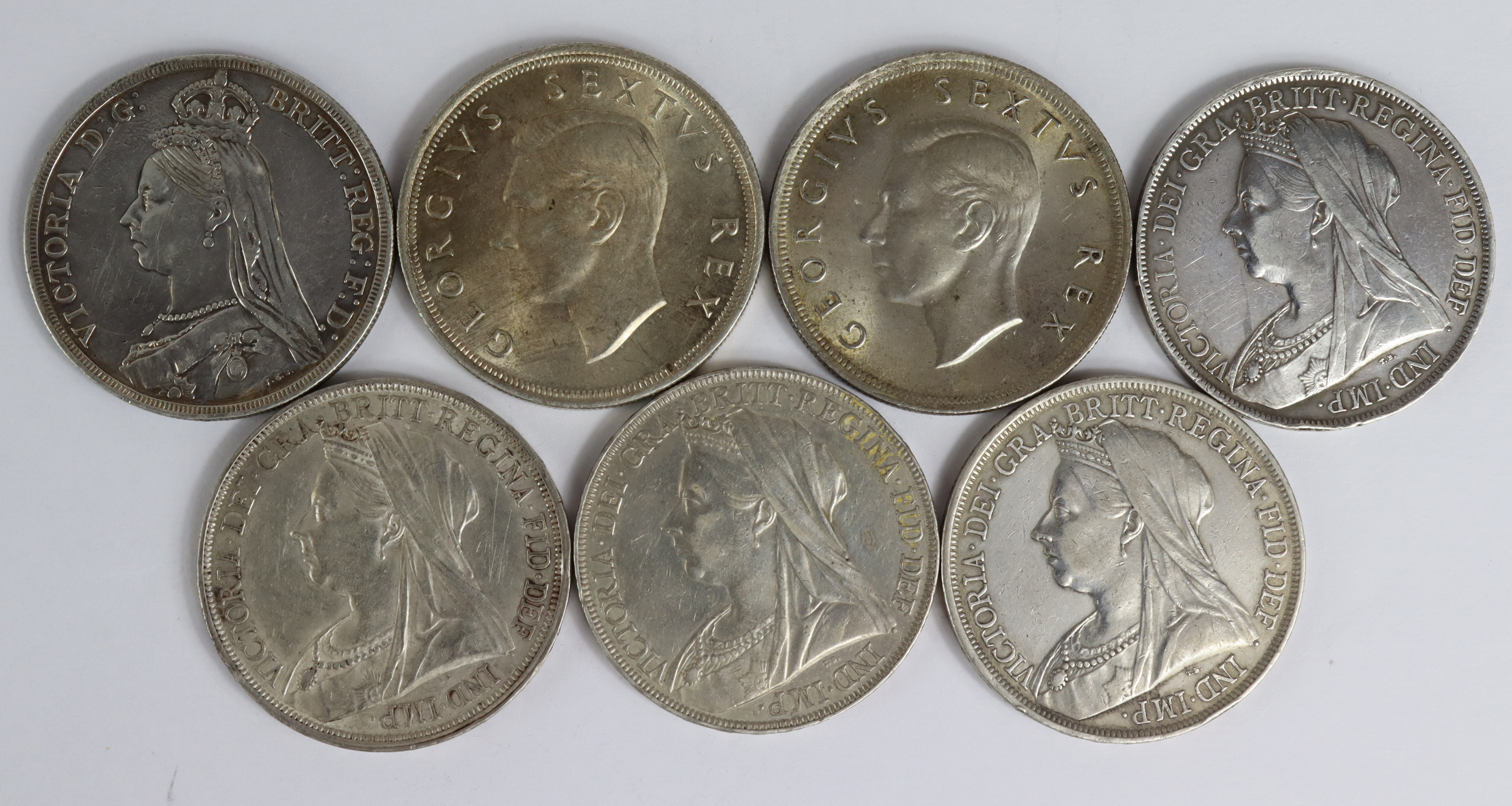GB Crowns (5) 1887 to 1900, F to VF, and South Africa (2) 1952 EF-GEF
