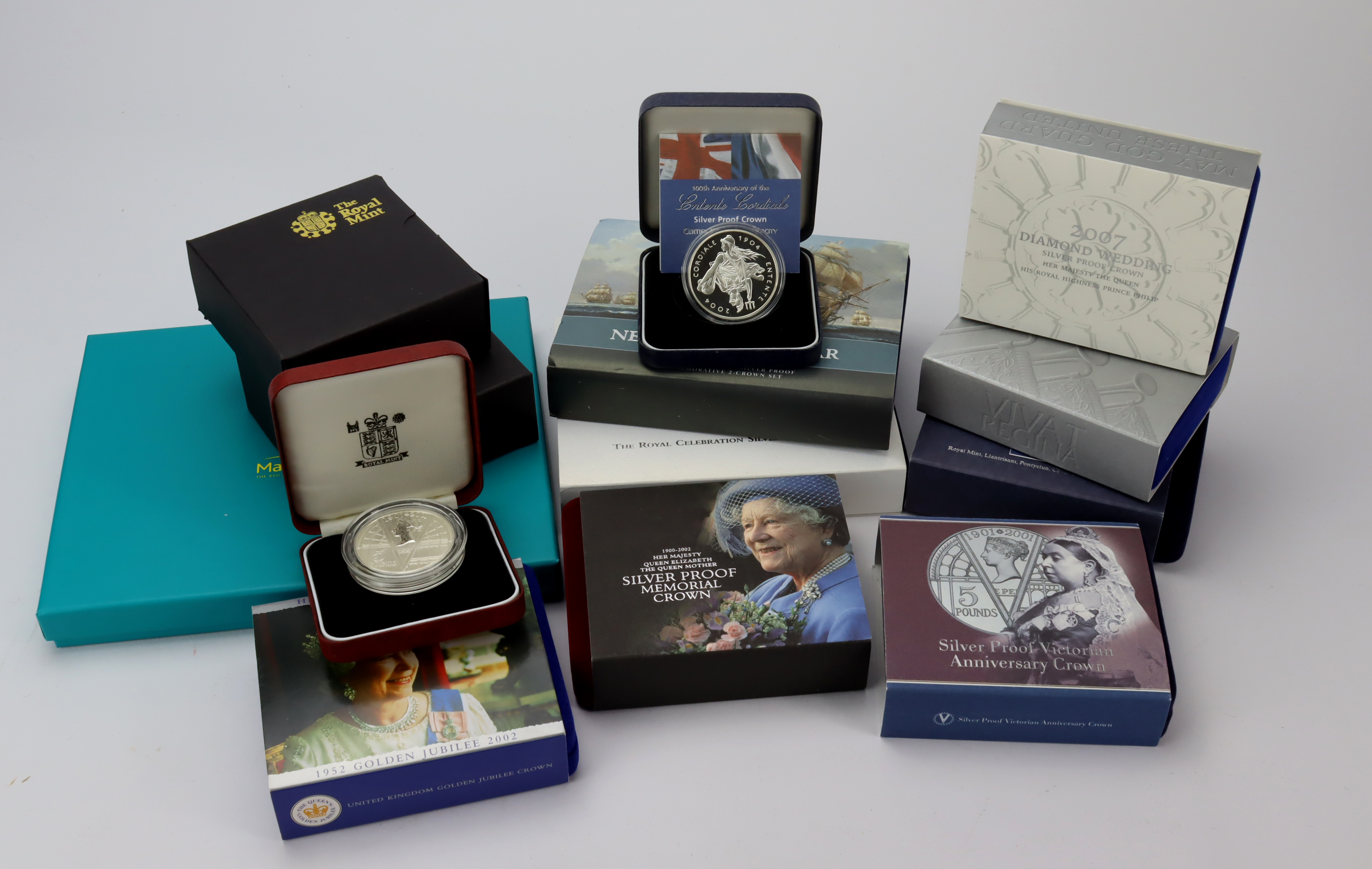 GB Silver Proof Crowns / Five Pounds (13) including rare 'reverse frosted' 2001...