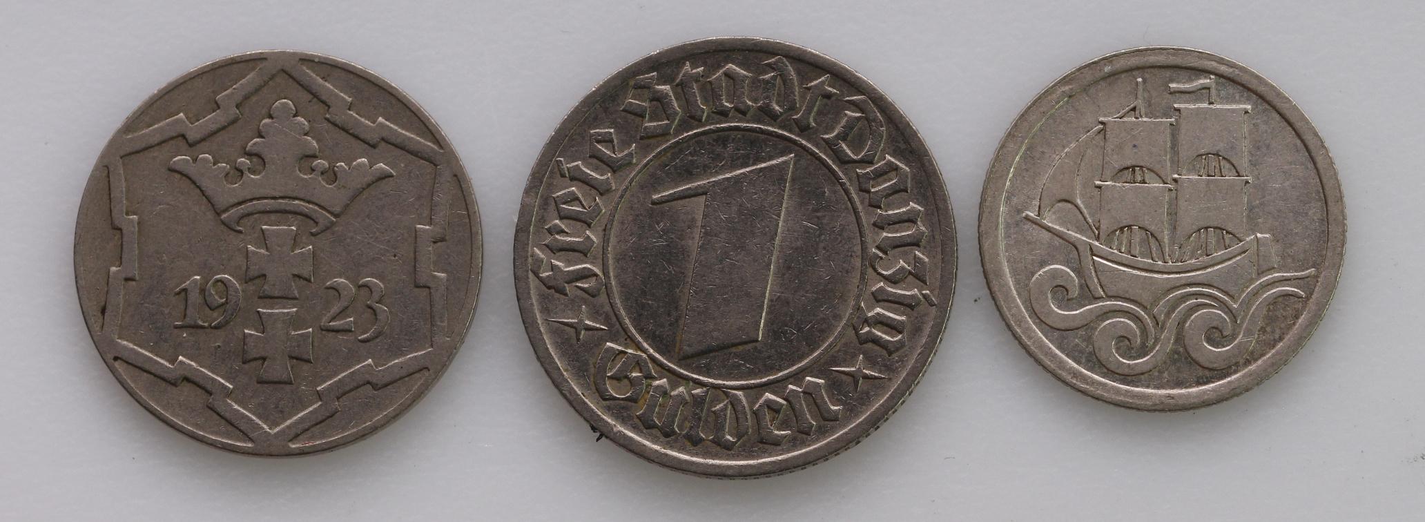 Danzig (3): 10 Pfennig 1923 VF, 1/2 Gulden 1923 EF, and 1 Gulden 1932 nEF