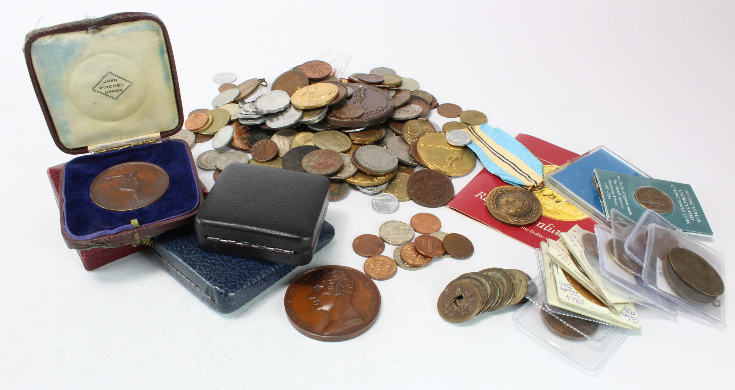 World Medals, Tokens & Coins (over 200), a large base metal collection, many countries