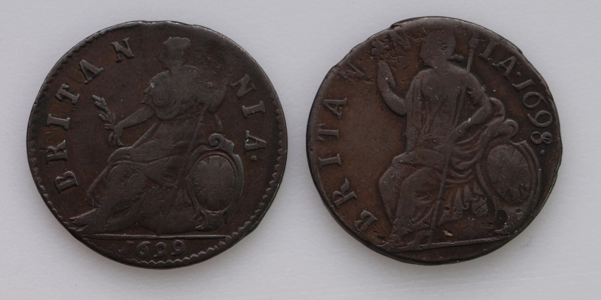 Halfpennies (2) William III: 1698 date in legend, nF, and 1699 date in exergue, Fine. - Image 2 of 2