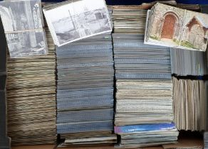 Postcards, a large mixed age collection of approx. 3000 cards mostly UK and Foreign topographical
