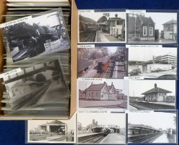 Postcards/photos, Rail, a selection of approx. 400 RP photos and postcards of UK station interiors
