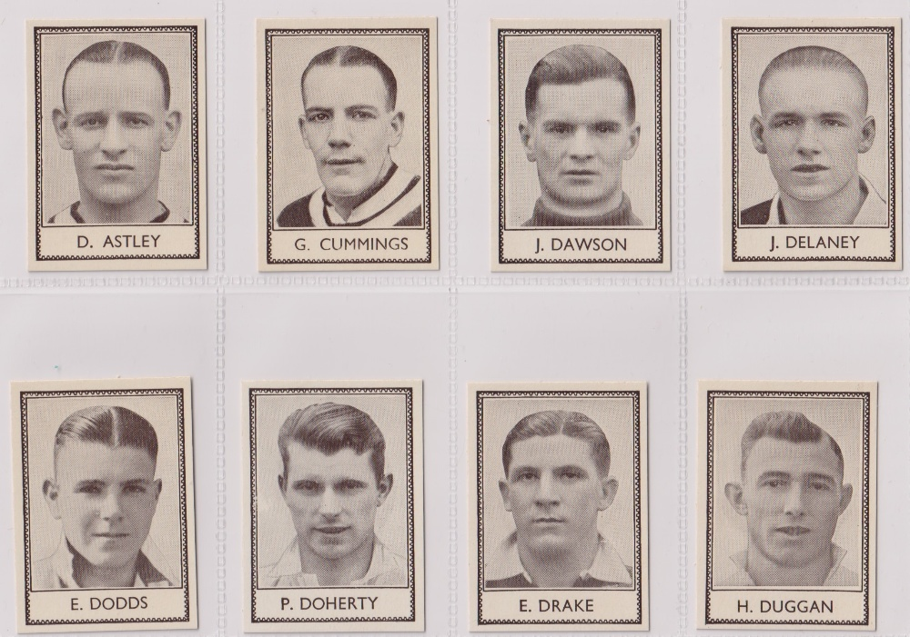 Trade cards, Barratt's, Famous Footballers (Numbered) 'M' size, 1939/40, ref HB-35 E, (set, 110 - Image 9 of 28