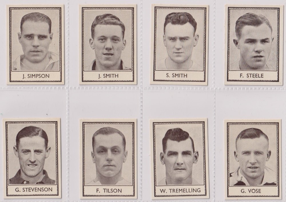Trade cards, Barratt's, Famous Footballers (Numbered) 'M' size, 1939/40, ref HB-35 E, (set, 110 - Image 25 of 28