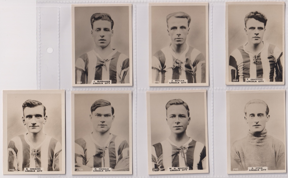 Cigarette cards, Phillips, Footballers (all Pinnace back), 'L' size, 13 different cards, all Lincoln - Image 3 of 3