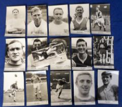 Trade cards, Football, Anon (Collectors Club), a collection of 16 b/w player photos, all postcard