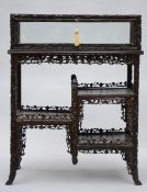 Chinese display cabinet in sculpted wood (93x72x38 cm) (*)