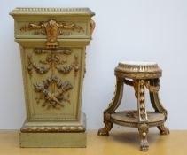 Lot: a square and a round pedestal in painted wood (h 60 - 85 cm)