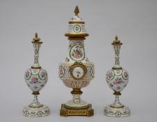 Assembled clock set in ceramic with gilt bronze 'pheasants' (47cm)
