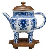 CHINESE BLUE AND WHITE PORCELAIN 'BAJIXIANG' EWER, MARK AND PERIOD OF QIANLONG, 18th CENTURY