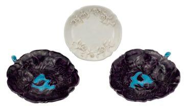 PAIR OF CHINESE AUBERGINE GLAZED PORCELAIN BRUSH WASHERS WITH BLANC DE CHINE DISH, 18/19th CENTURY,