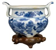 CHINESE BLUE AND WHITE PORCELAIN DRAGON CENSER, KANGXI PERIOD, 18th CENTURY