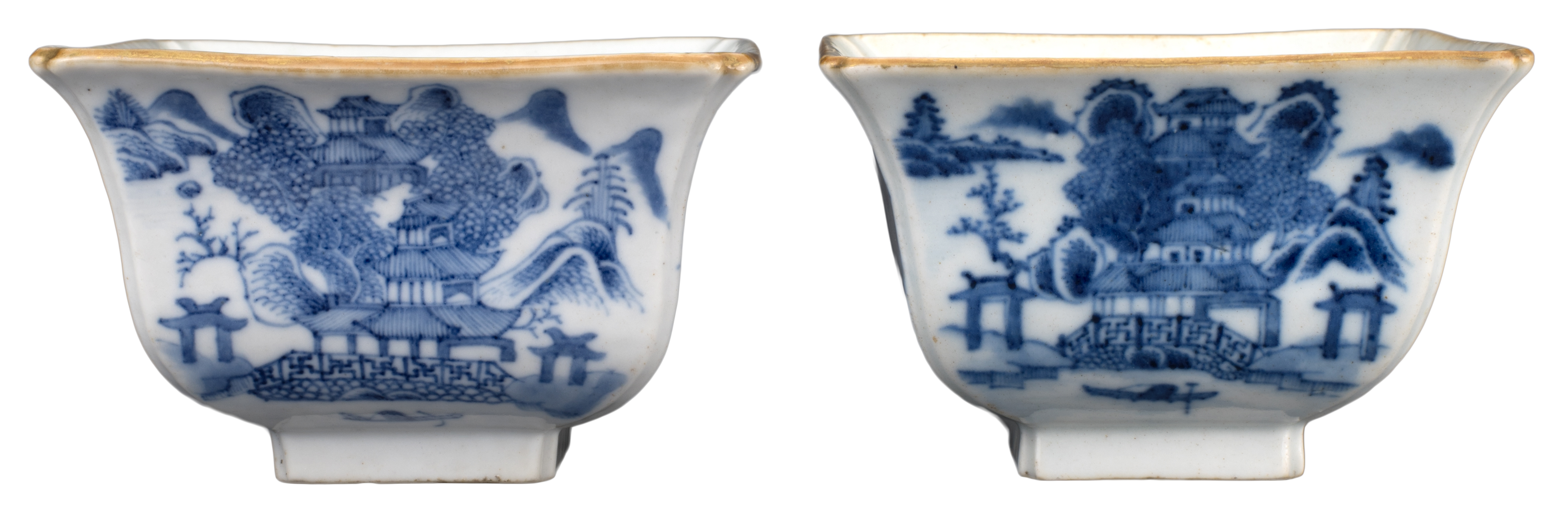 PAIR OF CHINESE BLUE AND WHITE PORCELAIN BOWLS, DAOGUANG MARK AND PERIOD, 19th CENTURY