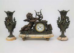 Mantelpiece set with 2 vases