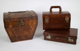 Lot leather travel boxes and hat case