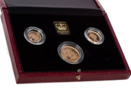 ELIZABETH II GOLD PROOF SOVEREIGN THREE COIN SET DATED 1990