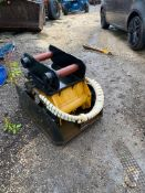 ENGCON M6178 COMPACT PLATE, WACKER PLATE, 80MM PINS, IN WORKING CONDITION *PLUS VAT*