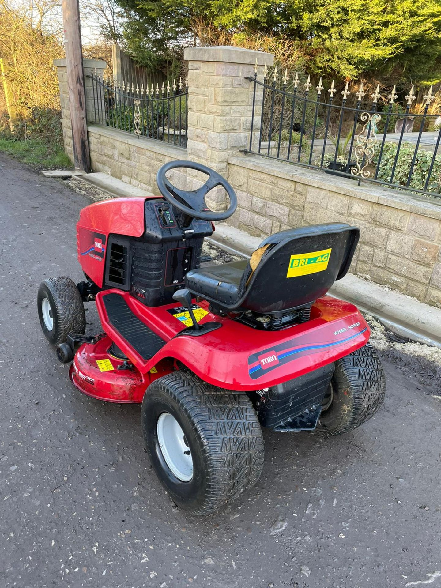 TORO 14-38 HXL RIDE ON MOWER, RUNS, DRIVES AND CUTS, CLEAN MACHINE *NO VAT* - Image 6 of 6