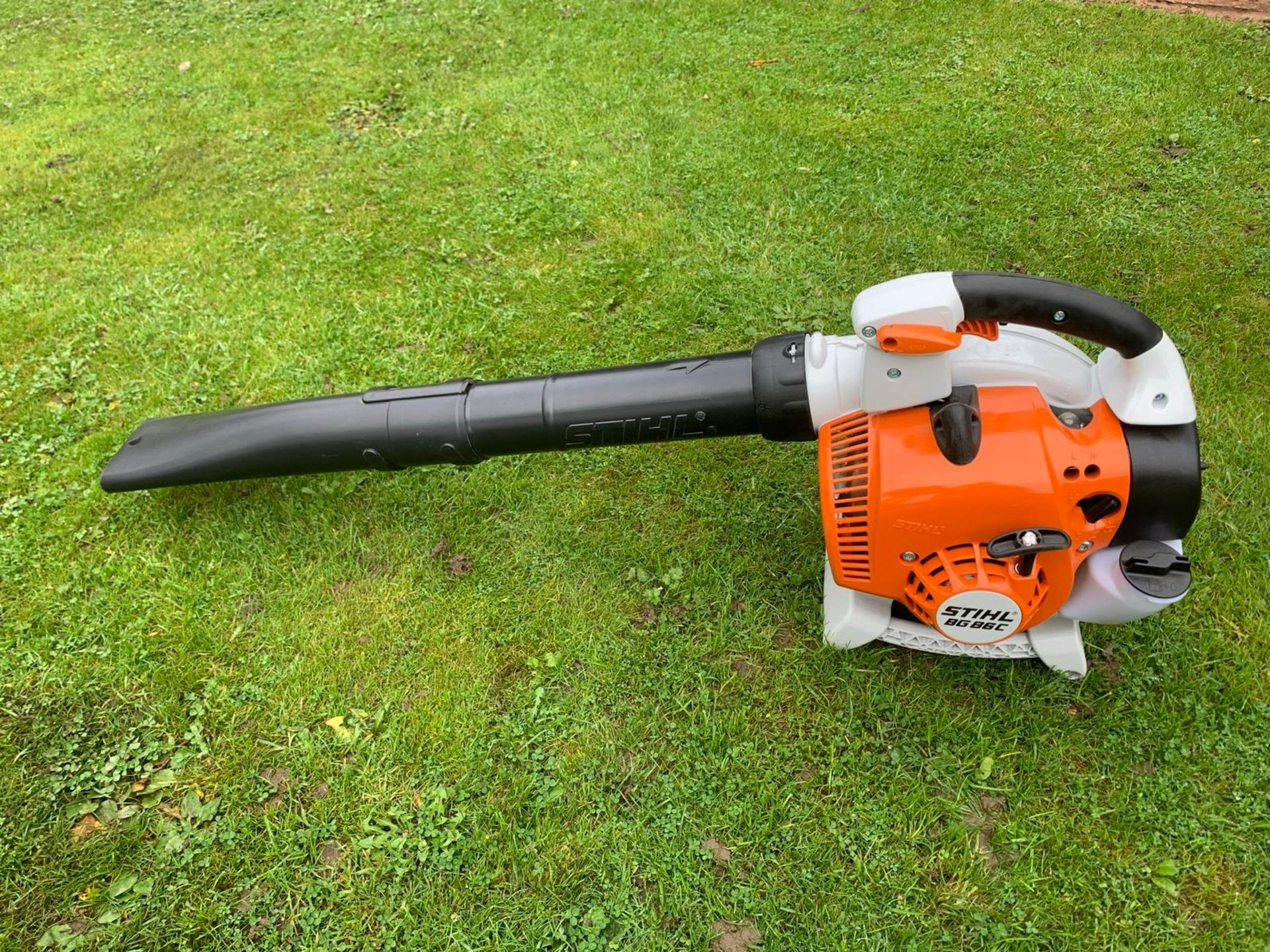 BRAND NEW AND UNUSED STIHL BG86C-3 LEAF BLOWER, C/W MANUAL AND PIPES (BOXED) *NO VAT* - Image 3 of 3