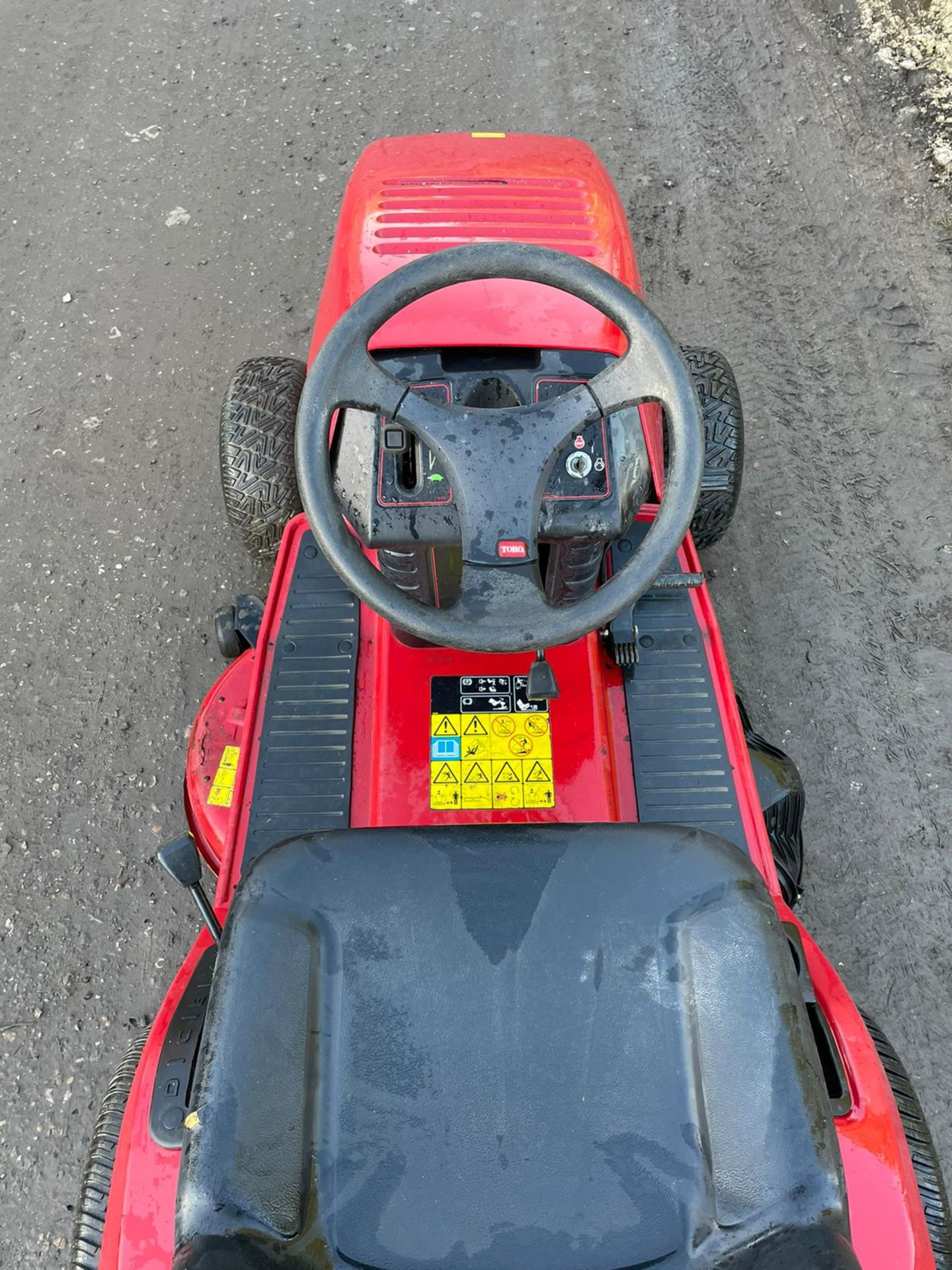 TORO 14-38 HXL RIDE ON MOWER, RUNS, DRIVES AND CUTS, CLEAN MACHINE *NO VAT* - Image 3 of 6