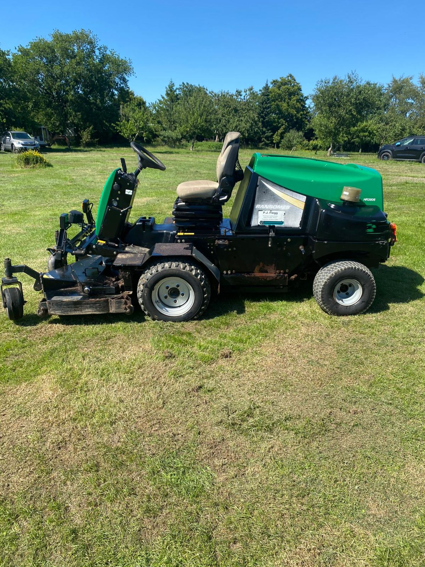 RANSOMES HR3806 OUT FRONT MOWER, RUNS, DRIVES AND CUTS, 38HP 3 CYLINDER KUBOTA ENGINE *PLUS VAT* - Image 3 of 6