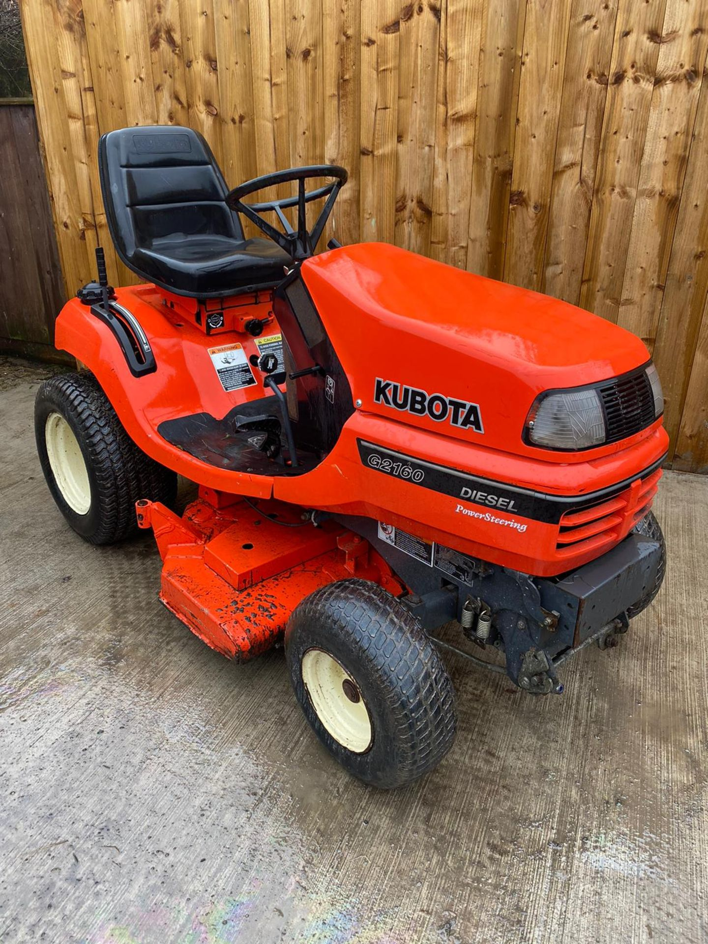 2009 KUBOTA G2160 DIESEL RIDE ON LAWN MOWER, IN EXCELLENT CONDITION *PLUS VAT* - Image 4 of 4