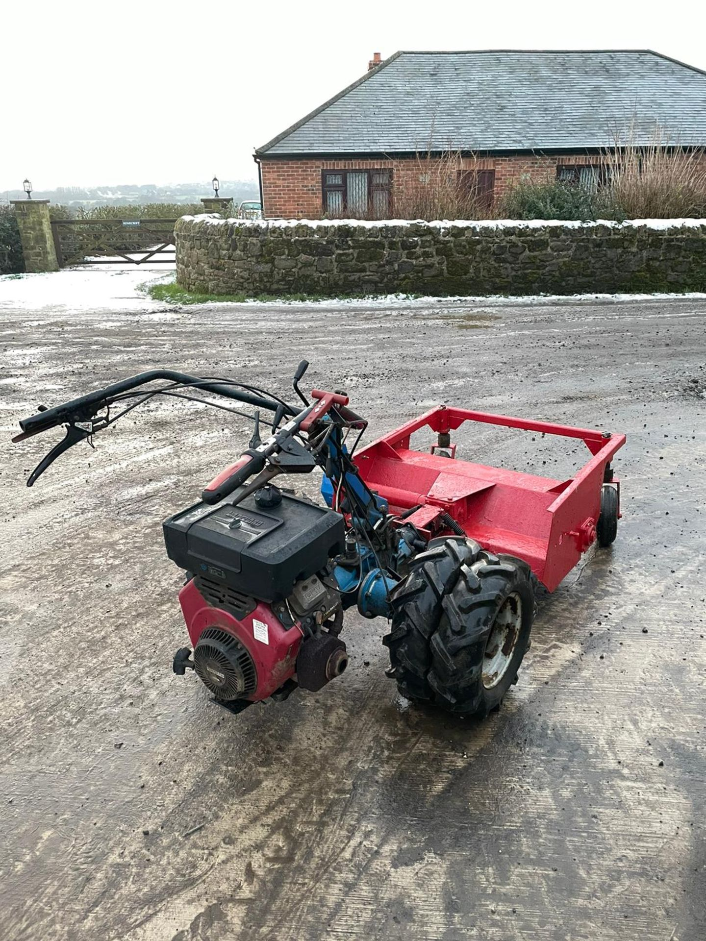 BCS 603 WITH FLAIL DECK, RUNS, WORKS AND MOWS, TWIN WHEELS *NO VAT* - Image 4 of 4