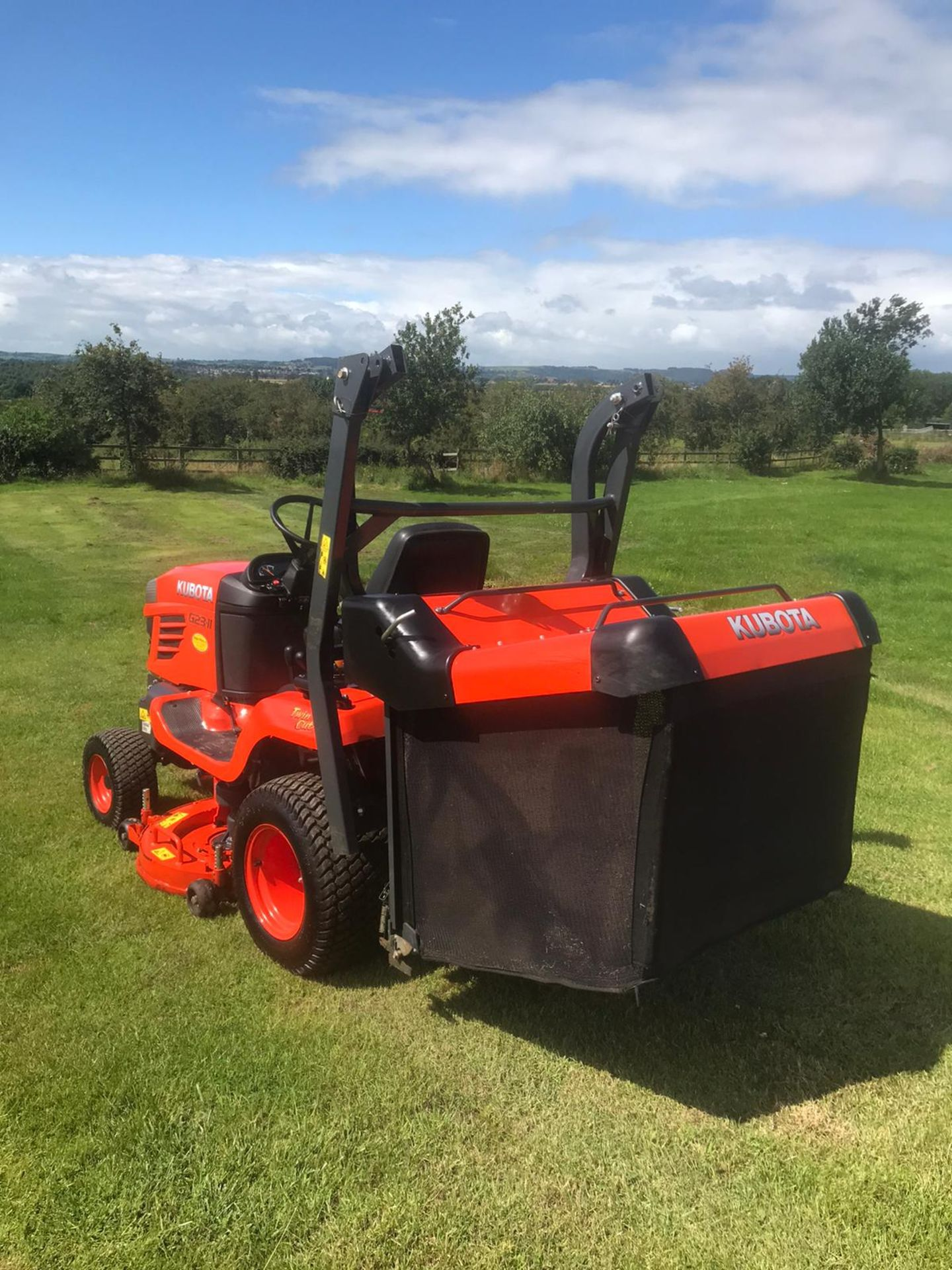 2015 KUBOTA G23-II RIDE ON LAWN MOWER, RUNS, DRIVES & CUTS, EX DEMO CONDITION, 203 HOURS *PLUS VAT* - Image 4 of 5
