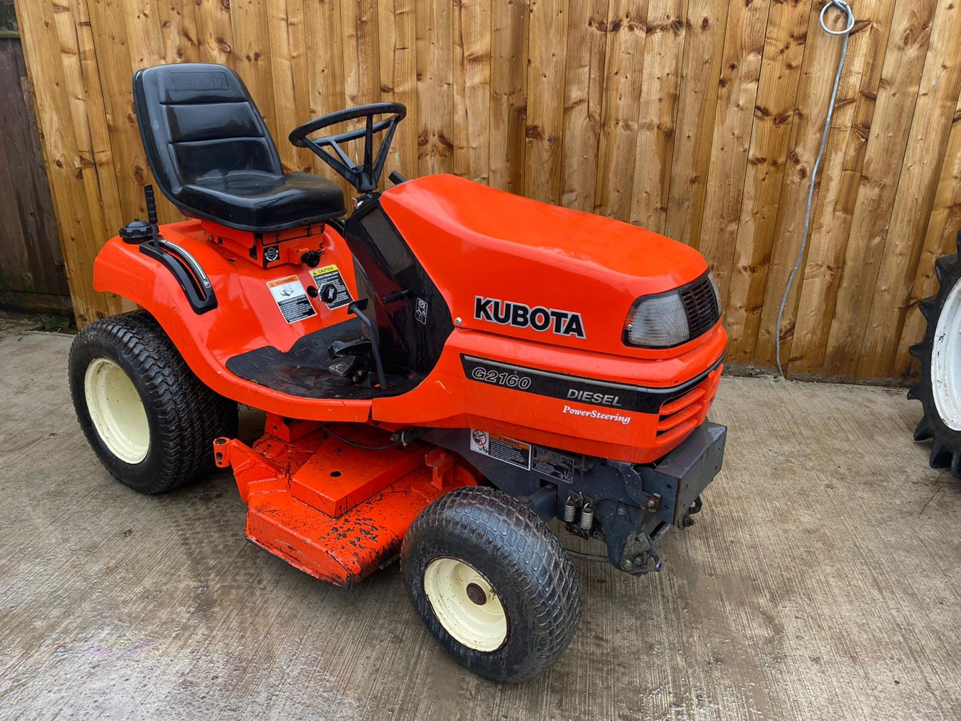 2009 KUBOTA G2160 DIESEL RIDE ON LAWN MOWER, IN EXCELLENT CONDITION *PLUS VAT*