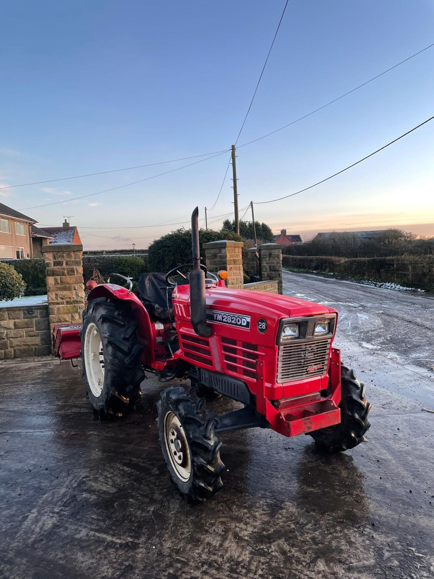 YANMAR YM2820D TRACTOR, 4 WHEEL DRIVE, WITH ROTATOR, RUNS AND WORKS, 3 POINT LINKAGE *PLUS VAT* - Image 3 of 8