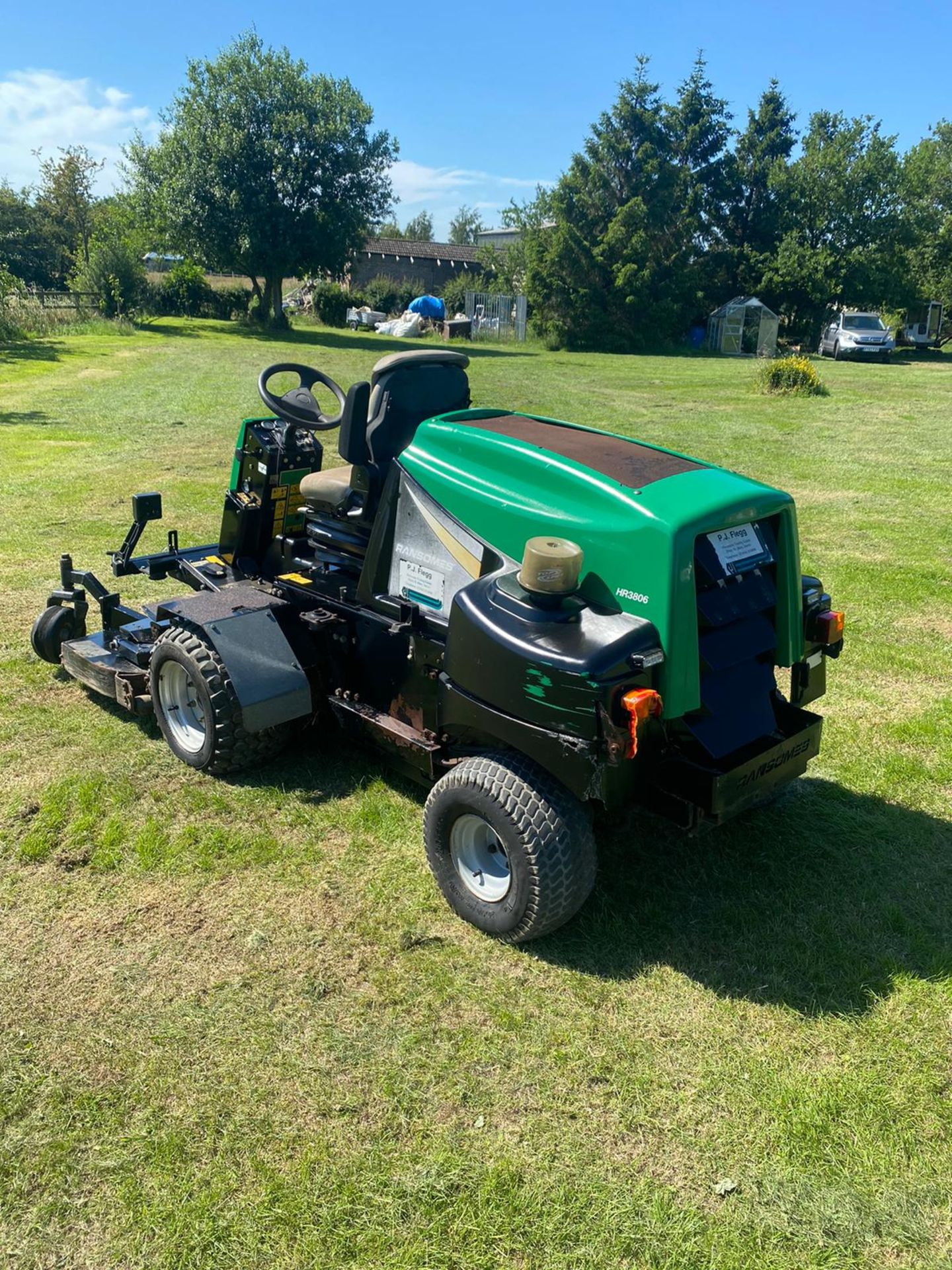 RANSOMES HR3806 OUT FRONT MOWER, RUNS, DRIVES AND CUTS, 38HP 3 CYLINDER KUBOTA ENGINE *PLUS VAT* - Image 2 of 6