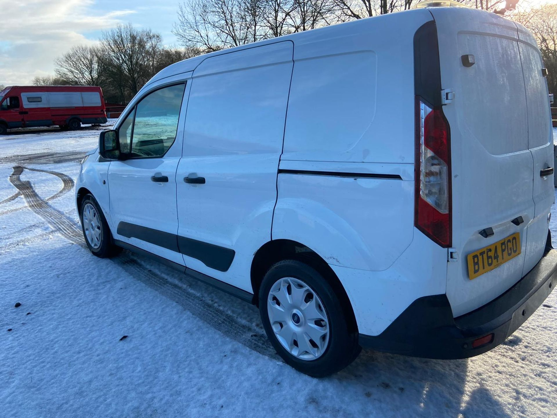 2015/64 REG FORD TRANSIT CONNECT 200 ECONETIC 1.6 DIESEL WHITE PANEL VAN, SHOWING 0 FORMER KEEPERS - Image 4 of 10
