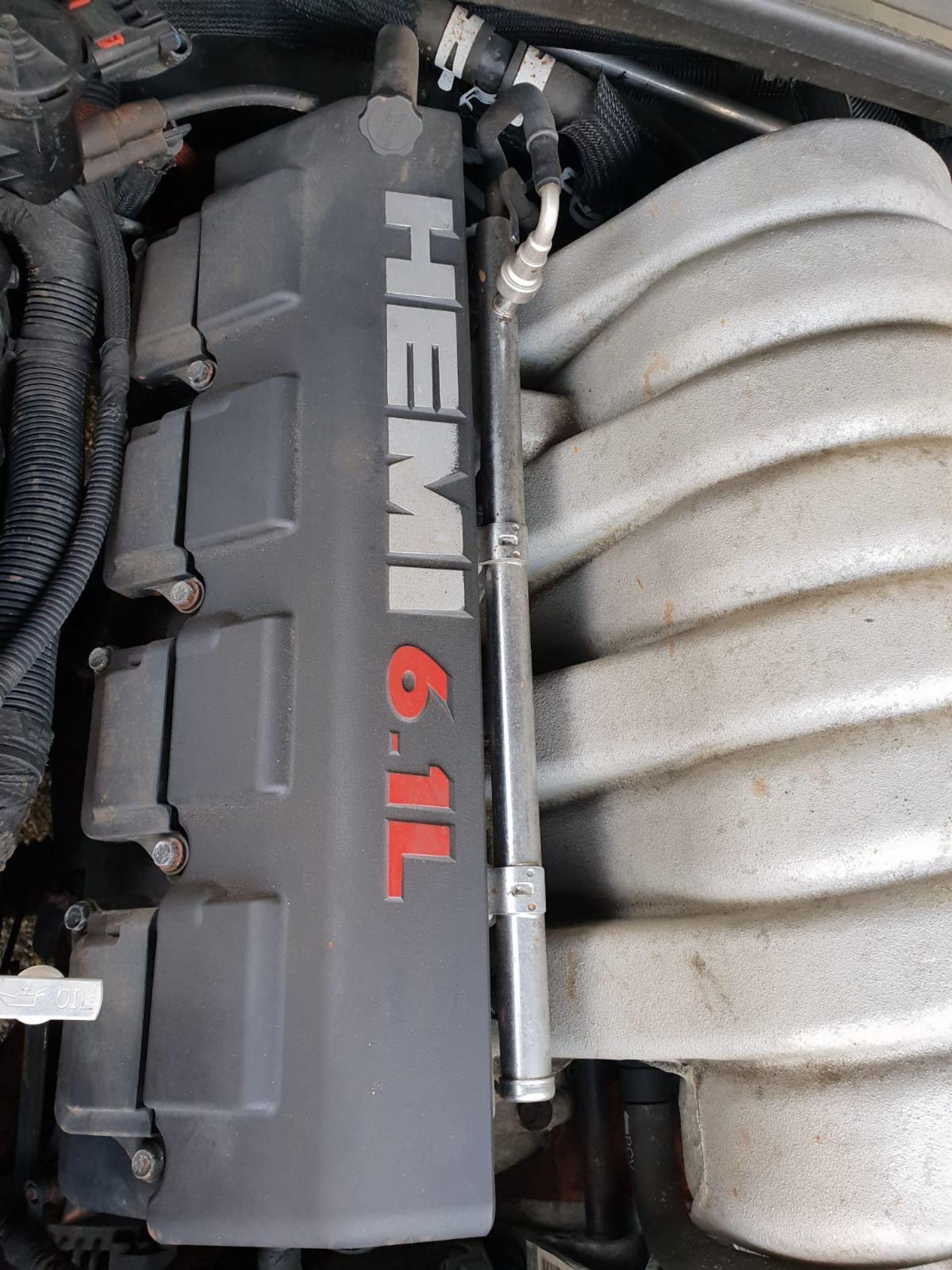 2007/07 REG CHRYSLER 300C SRT-8 AUTO 6.1L PETROL BLACK 4 DOOR SALOON *NO VAT* - Image 18 of 22
