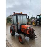 KUBOTA B2150 COMPACT TRACTOR, RUNS AND DRIVES, FULLY GLASS CAB, 1815 HOURS *PLUS VAT*