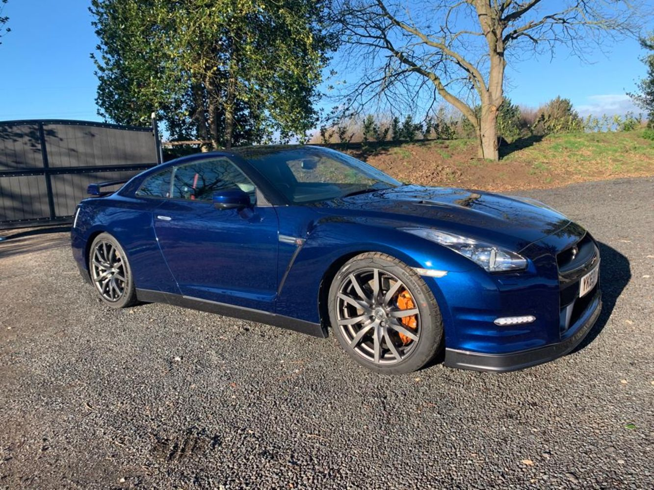 NISSAN GT-R PREMIUM EDITION BLUE, 2009 ITINEO JB740 A-CLASS MOTORHOME, FORD TRANSIT CREW VAN, 2014 TOYOTA HILUX & MORE Ending Sunday From 7pm