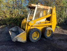 CASE 1840 SKID STEER LOADER, STARTS FIRST TURN OF THE KEY, RUNS, DRIVES AND LIFTS *PLUS VAT*