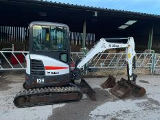 2017 BOBCAT E26 MINI EXCAVATOR / DIGGER, RUNS, DRIVES AND DIGS, 3 BUCKETS INCLUDED, GOOD CONDITION