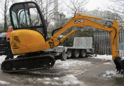 JCB 8025 TRACKED DIGGER / EXCAVATOR, SERIAL NUMBER 1226529, ZERO TAIL SWING, YEAR 2008 *PLUS VAT*