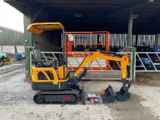RHINOCEROS LM10 MINI RUBBER TRACKED DIGGER / EXCAVATOR, BRAND NEW AND UNUSED 3 X BUCKETS *PLUS VAT*