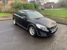 2010/60 REG VOLVO C30 SE 1.6 PETROL BLACK 3 DOOR HATCHBACK, SHOWING 4 FORMER KEEPERS *NO VAT*