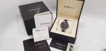 TAG HEUER GENTS CHRONOGRAPH WATCH 42MM, FORMULA 1, BOX, GUARANTEE CARD & BOOKLET, STUNNING WATCH