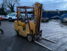 CAT 2.4 ton lift diesel forklift, starts runs and drives as it should Clutch and gear model