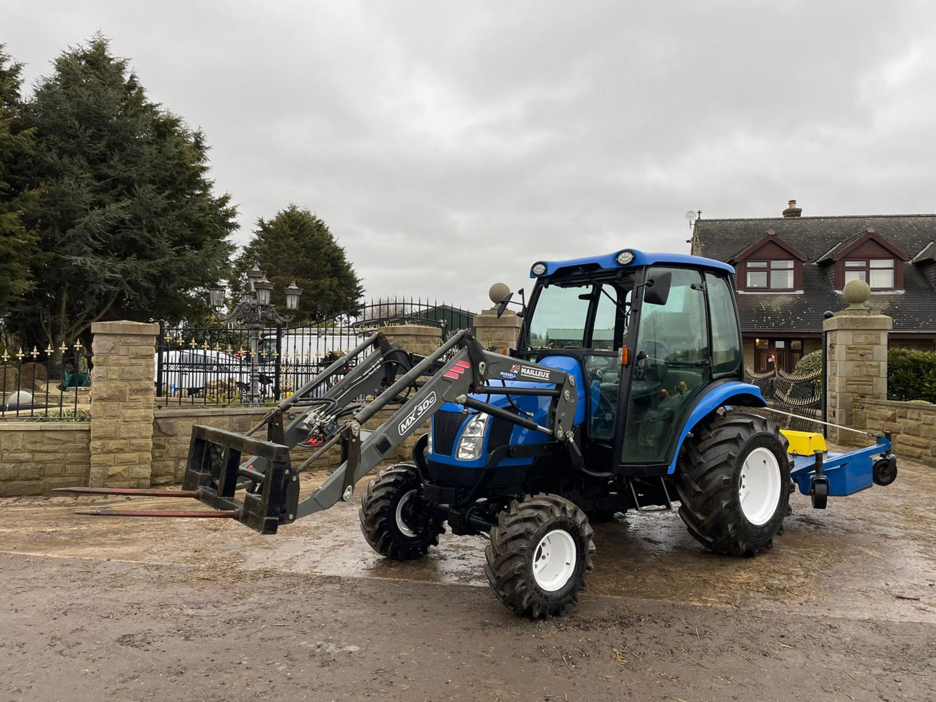 2006/55 New Holland TC40D Tractor With Loader And Bale Spike *PLUS VAT* - Image 3 of 23