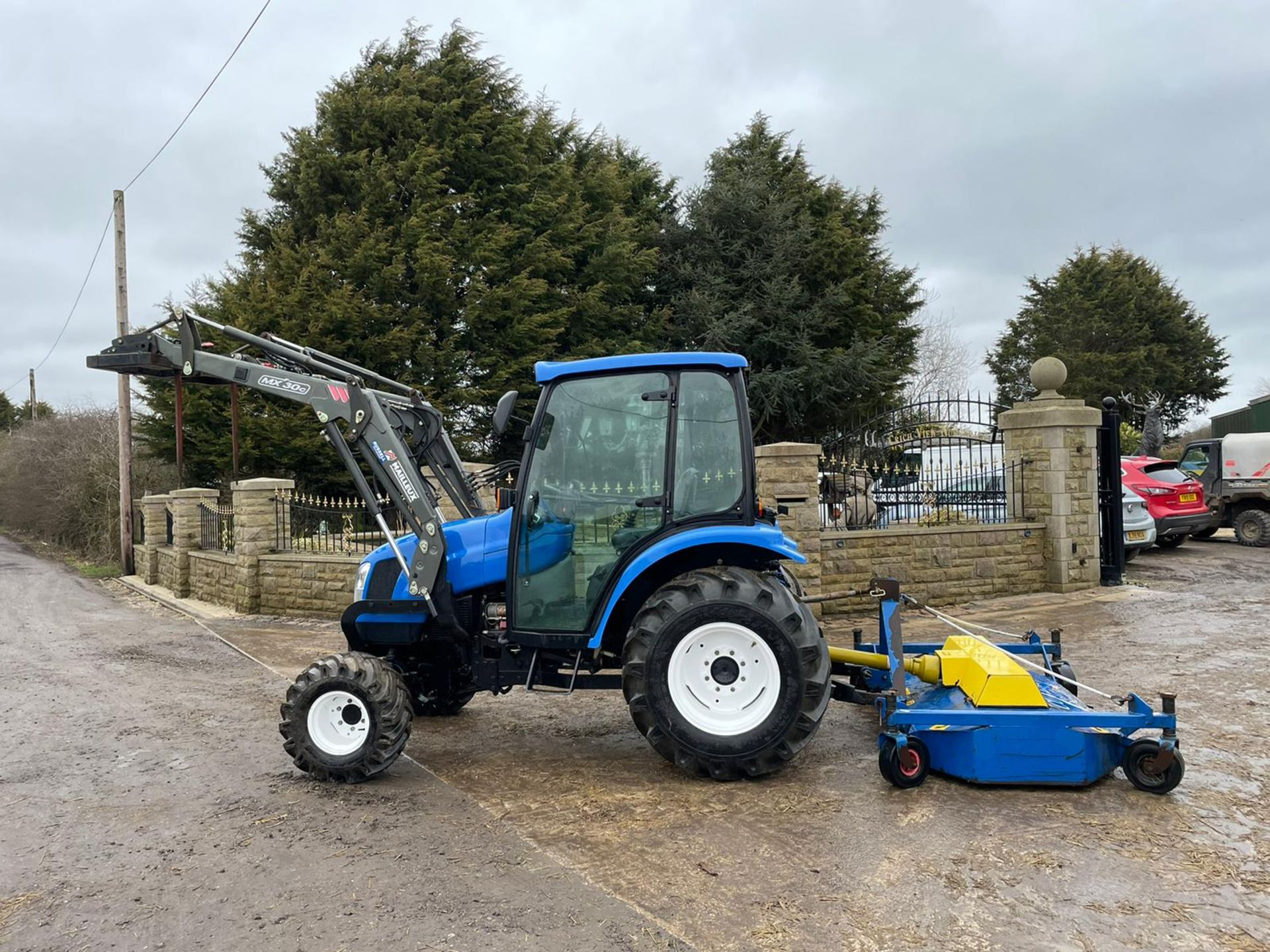2006/55 New Holland TC40D Tractor With Loader And Bale Spike *PLUS VAT* - Image 5 of 23