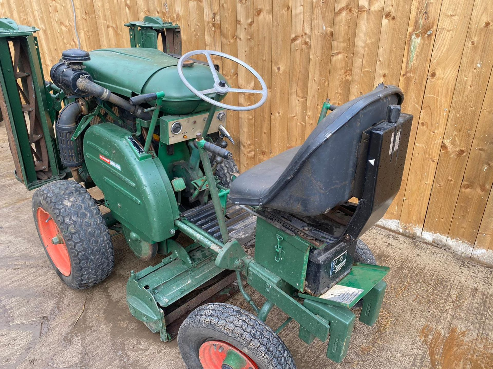 RANSOMES MOTOR TRIPLE DIESEL MOWER, KUBOTA DIESEL ENGINE, STARTS, FIRST TIME, RUNS, DRIVES, CUTS - Image 2 of 5