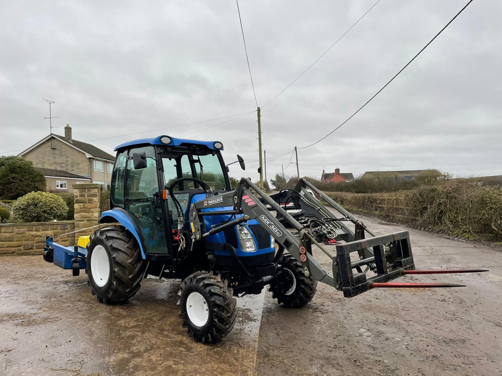 2006/55 New Holland TC40D Tractor With Loader And Bale Spike *PLUS VAT* - Image 2 of 23