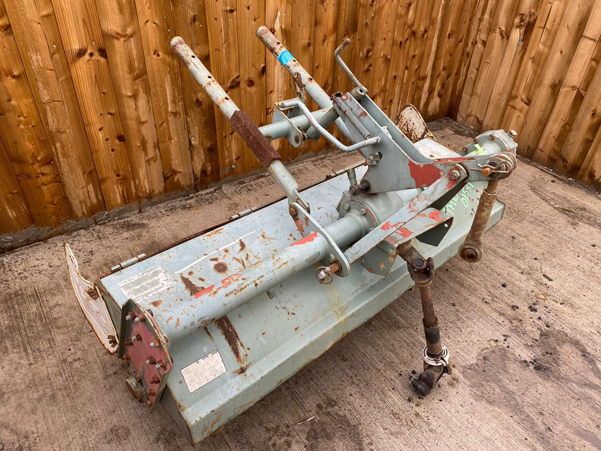3 POINT LINKAGE ROTOVATOR TO SUIT COMPACT TRACTOR, PTO DRIVEN WITH SHAFT *PLUS VAT*