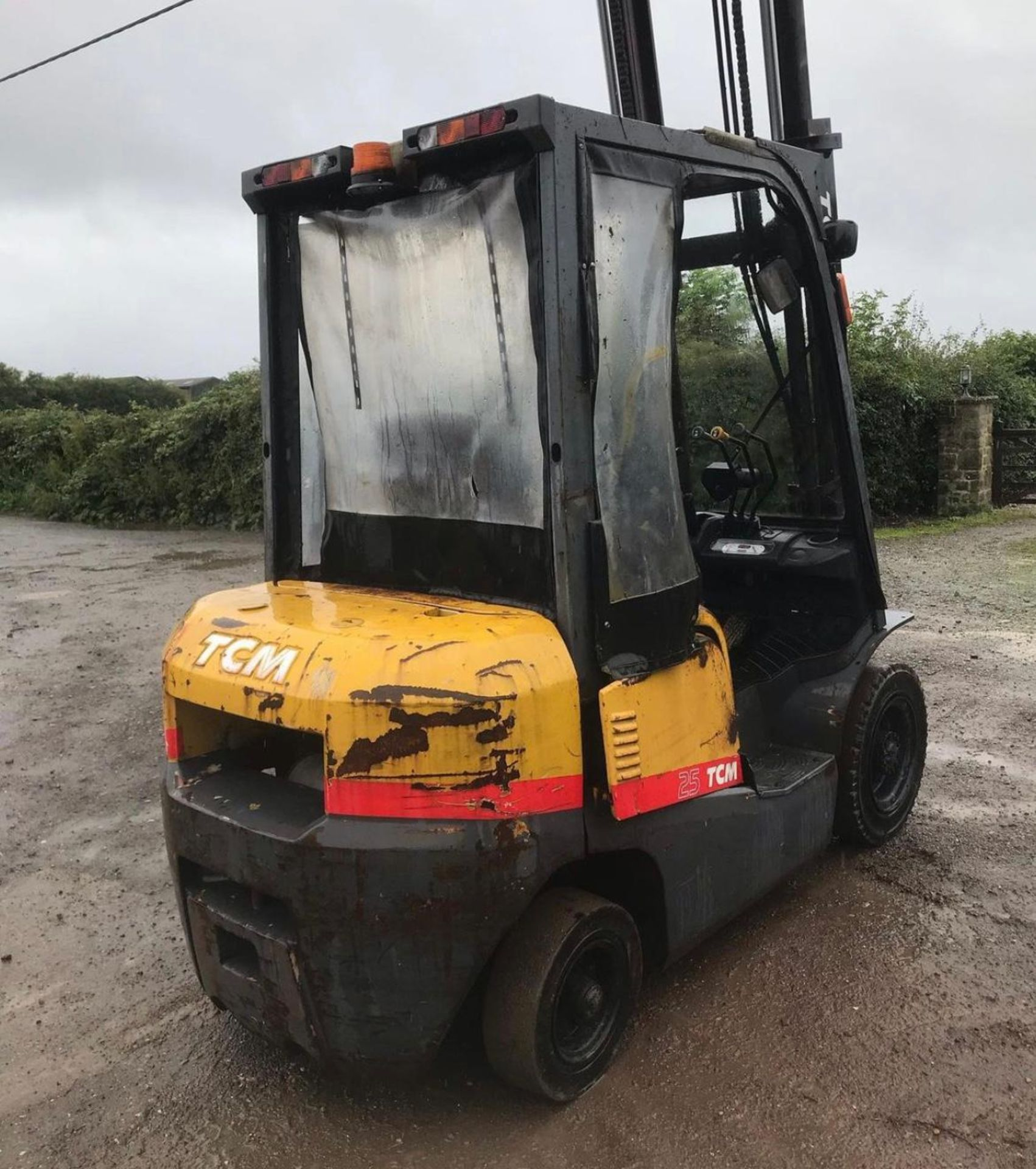 2007 TCM 25 FORKLIFT, RUNS, DRIVES AND LIFTS, 2.5 TON, SIDE SHIFT, LOW 7700 HOURS *PLUS VAT* - Image 4 of 5